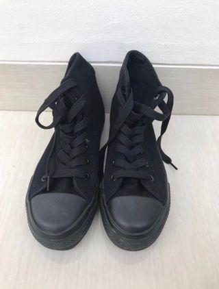 new look black shoes