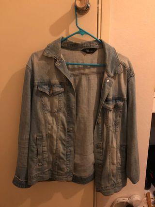 Denim jacket (oversized)