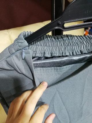 Skirt with lining potongan duyung hijau lumut zip tepi