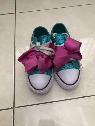 Sepatu merk jojo siwa msh bagus bgt.. kotor bekas pemakaian.. size 31..