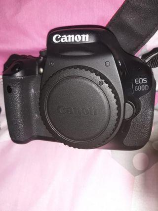 Kamera Canon 600D+Lensa 18-55mm