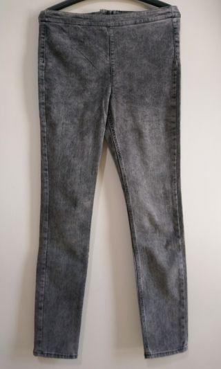 🚚 H&M灰黑色牛仔褲(僅試穿)