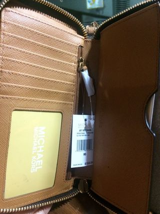 760dcf791d64bd michael kors wallet brown | Women's Fashion | Carousell Philippines