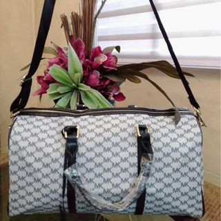 5d6754dca9d609 MK Bag Michael Kors Jet Set Weekender Travel bag Duffle Bag Carryall  Handbag MK Sling Bag