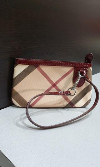 Burberry clutches wristlet