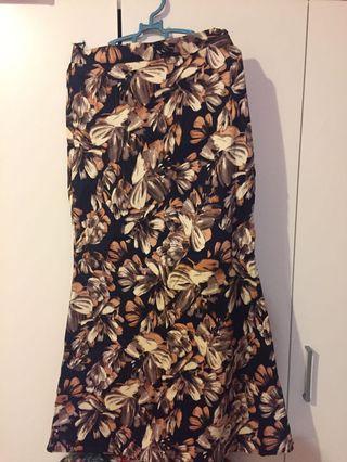 Skirt bunga
