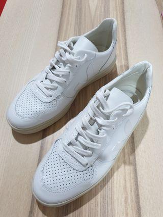 Veja V10 Woman Sneaker
