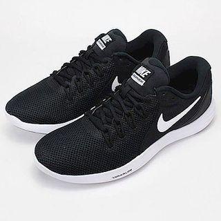 🚚 Nike輕量慢跑鞋