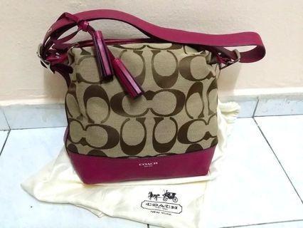 𝐂𝐎𝐀𝐂𝐇 | Legacy Signature Convertible Hobo Duffle Handbag [KHAKI BERRY]  #APR75