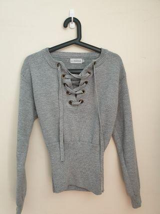 Lioness knitted jumper