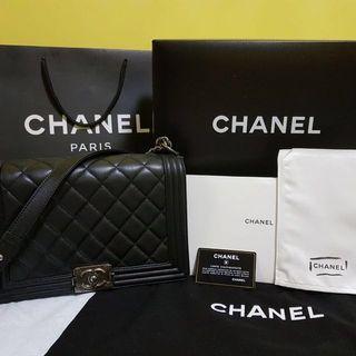 🚚 Chanel Boy