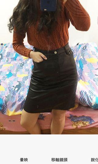 🚚 黑色皮裙