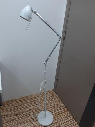 Ikea Floor Lamp 座地燈送後備燈胆一個