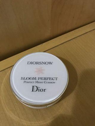🚚 Dior 雪精靈氣墊粉餅