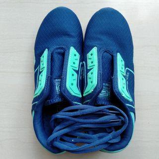Sepatu Unisex Ando