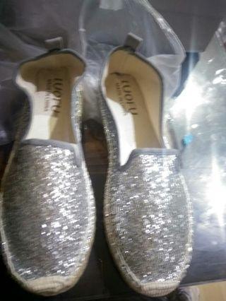 Sepatu santai perak bling bling