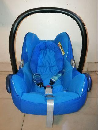 Maxi Cosi Cabriofix - Infant/Baby Carrier (Blue)