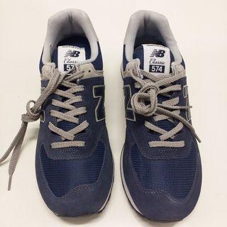 NEW BALANCE 574 navy/ white mens size 9