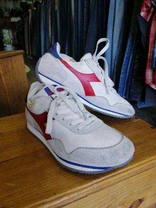 Kasut Sukan Diadora Sport Shoes Unisex Women Men