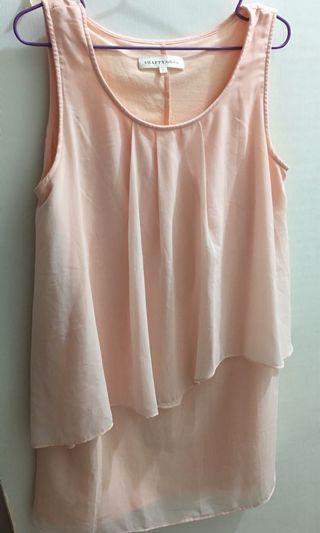 粉紅色洋裝