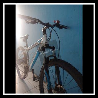 Sepeda Polygon Premier 4