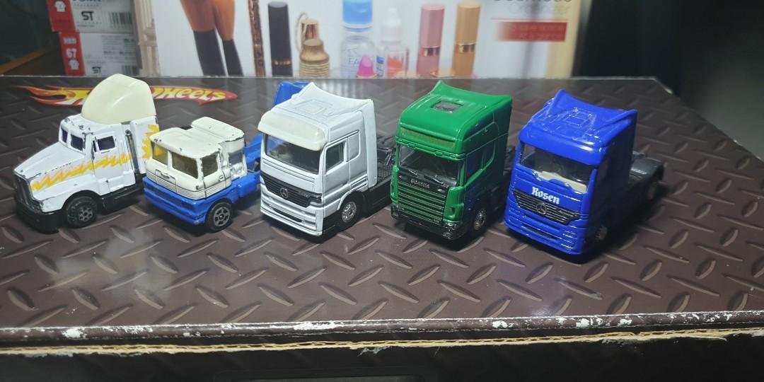 1 lot of 5 pcs toy trucks