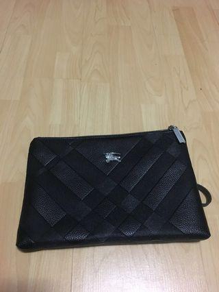 47c4614118fa burberry clutch bag