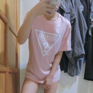 日本帶回專櫃全新 Guess粉色白字短T L號
