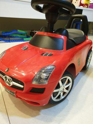 100% authentic Toy Car Mercedes Benz with box