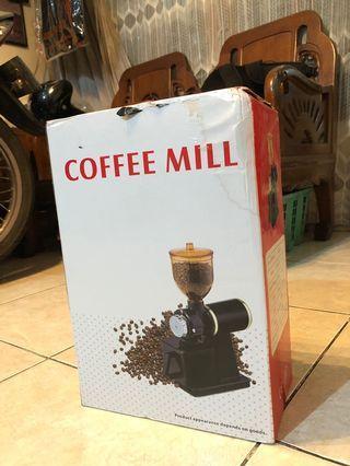 Coffee Mill Grinder. Mesin giling kopi elektrik