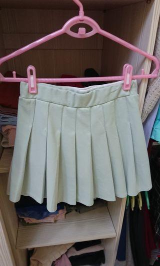 綠色百褶裙