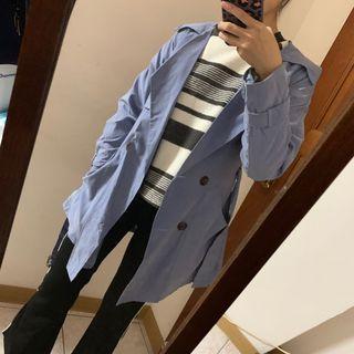 🚚 簡約淺藍口袋薄風衣外套