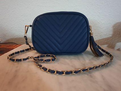 🚚 Navy Blue Sling Bag / Clutch