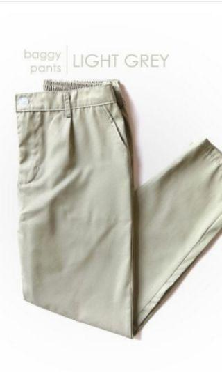 Baggy Pants light grey new