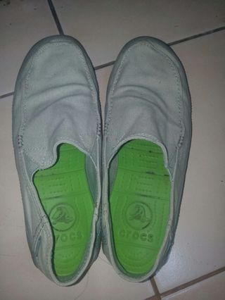 Sepatu crocs asli
