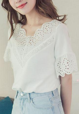 White Eyelet Lace Top from Eyescream TW