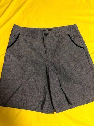 Ladies Causal Bermuda Short