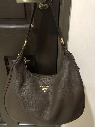 Prada Vitello Diano hobo bag B4311M