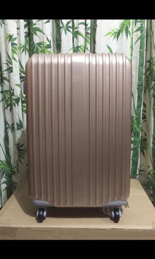 24吋 行李箱 旅行箱 香檳色 全新品