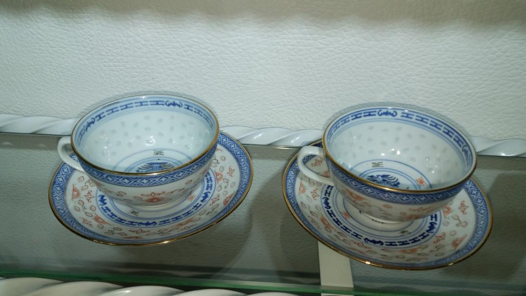 70年代景德鎮青花金苗玲瓏米通西洋茶碗一對$320,保存佳,金邊繪花低,罕有收藏精品