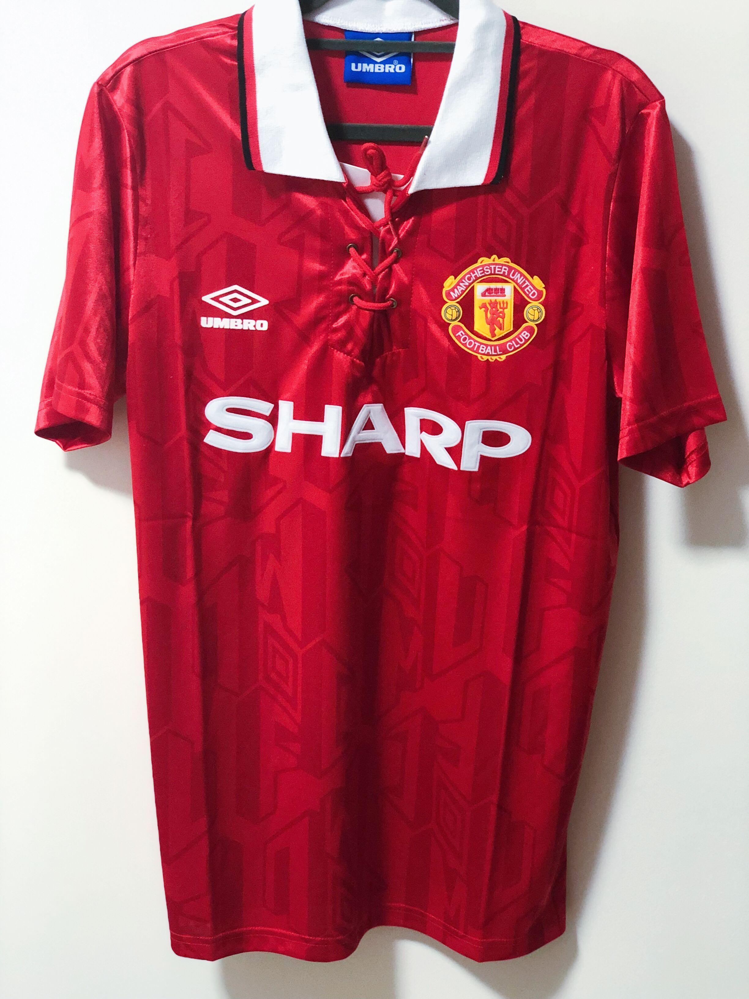 e8b8c2a23 Retro Manchester United T Shirt - Nils Stucki Kieferorthopäde