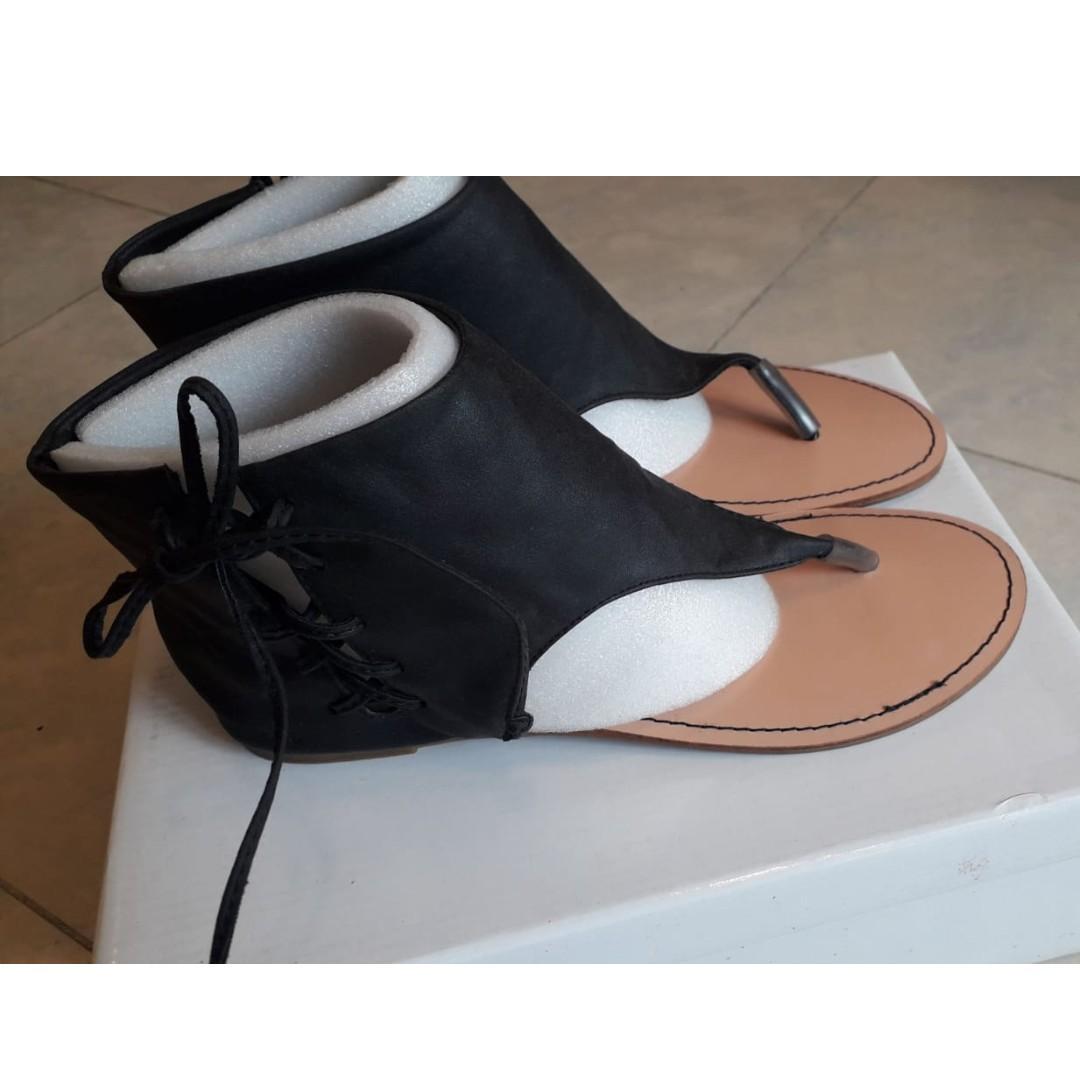 日牌 Sandal Black 人字拖 涼鞋 彷皮 Size: L $100 包平郵
