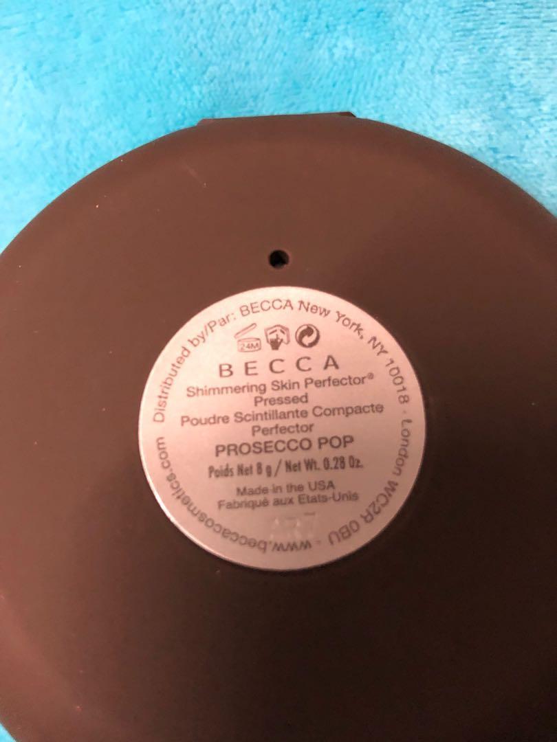 Becca highlighter in Prosecco pop