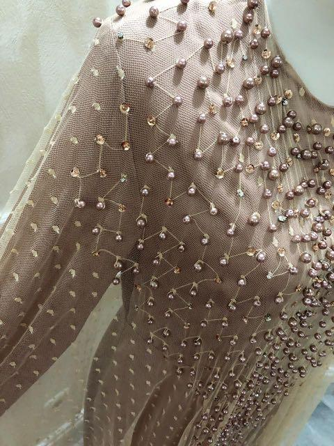 Dress warna nude