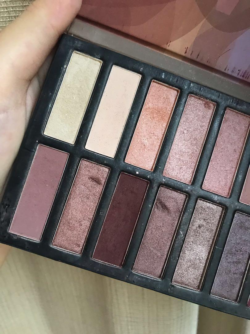 REVEALED - Coastal Scents eyeshadow palette