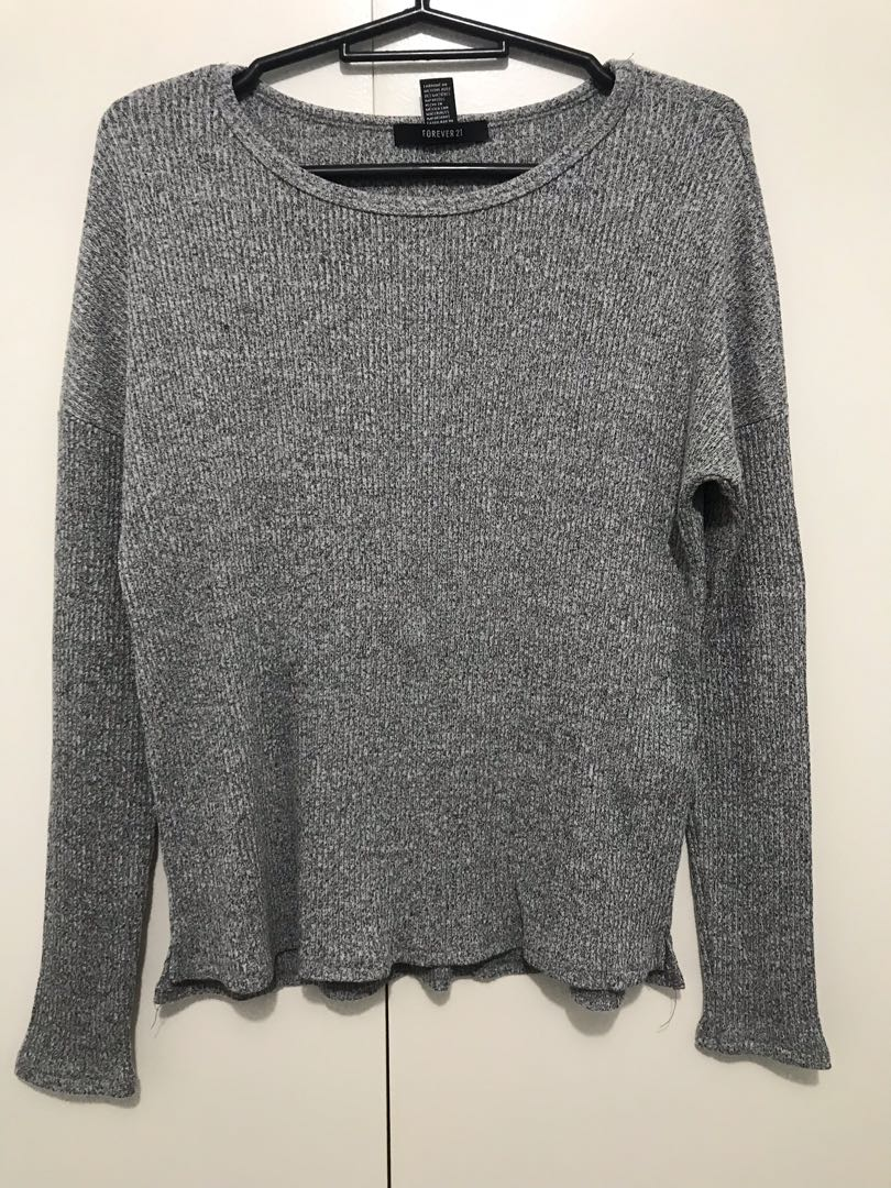 e3590abf28 Gray Knitted Sweater