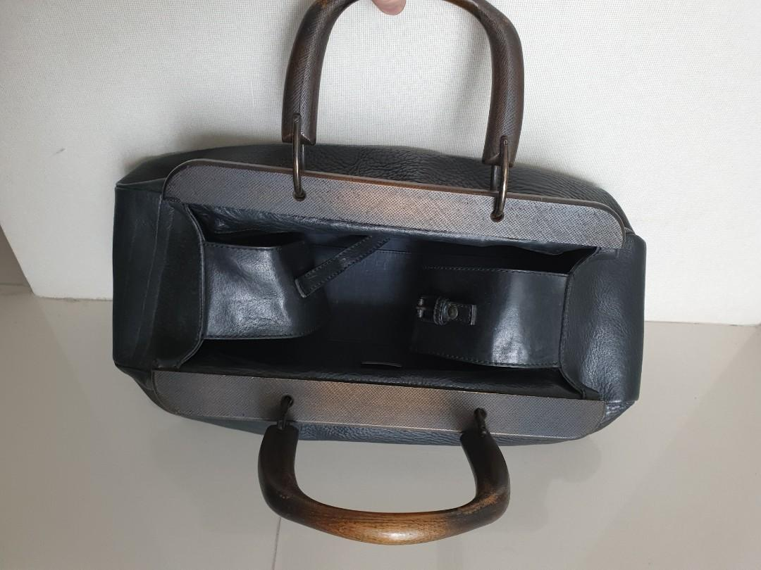 Gucci ORI black leather with wood handle
