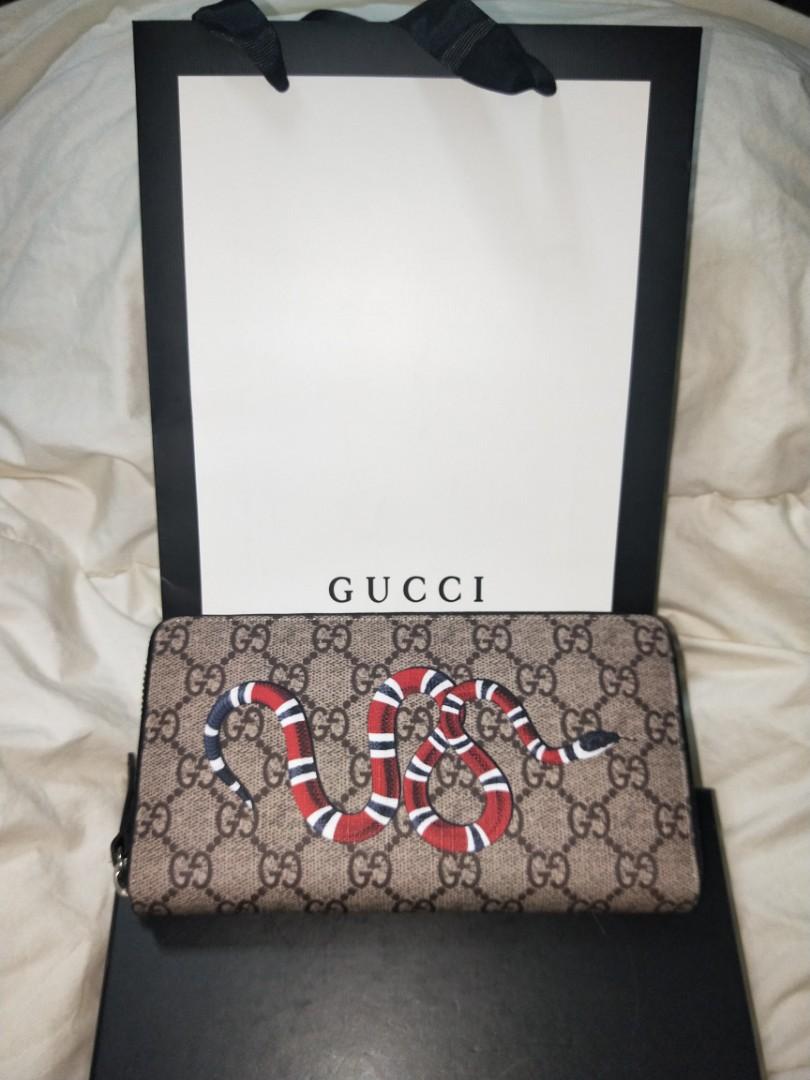 38da93eb789b Gucci Wallet snake, Luxury, Bags & Wallets, Wallets on Carousell