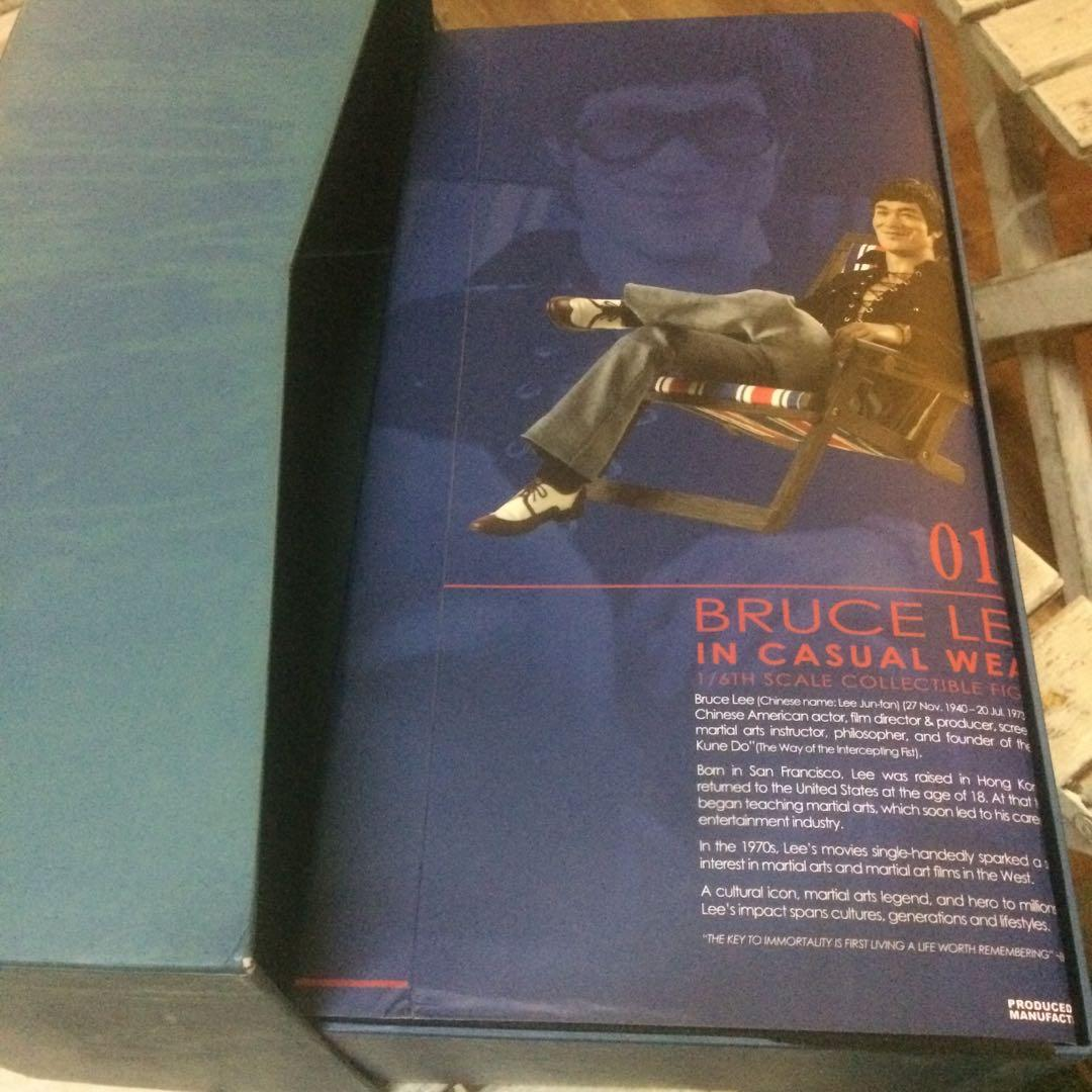Hot Toys Bruce Lee in casual wear 1/6tg scale