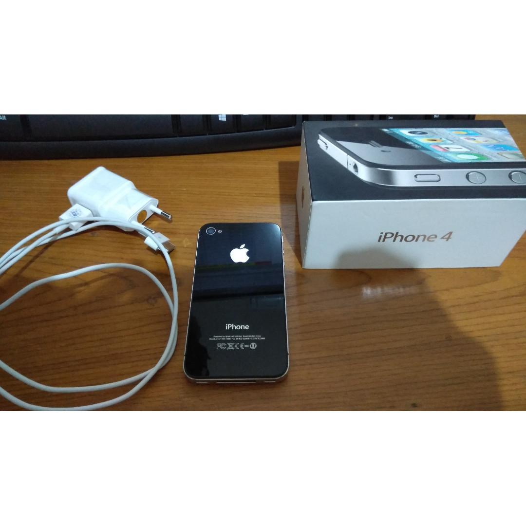 iPhone 4 32GB (Minus Baterai Bermasalah)